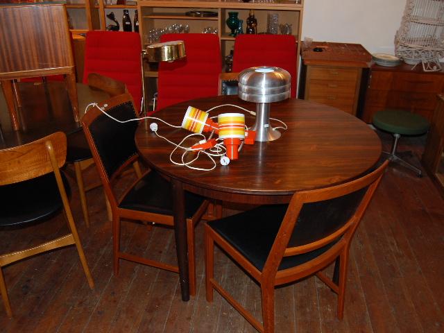 Matbord jakaranda ~ Möbeldepån