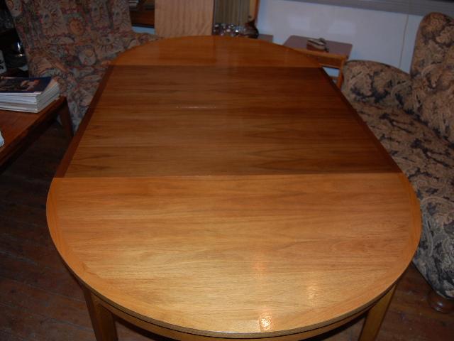 Runt matbord 2 iläggsskivor Teak ~ Möbeldepån